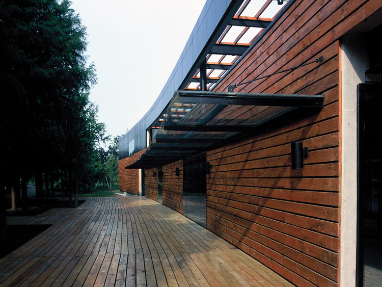 Centro de Visitantes en el Parque del Lago Yangcheng / Miao Design Studio , Cortesía de Miao Design Studio