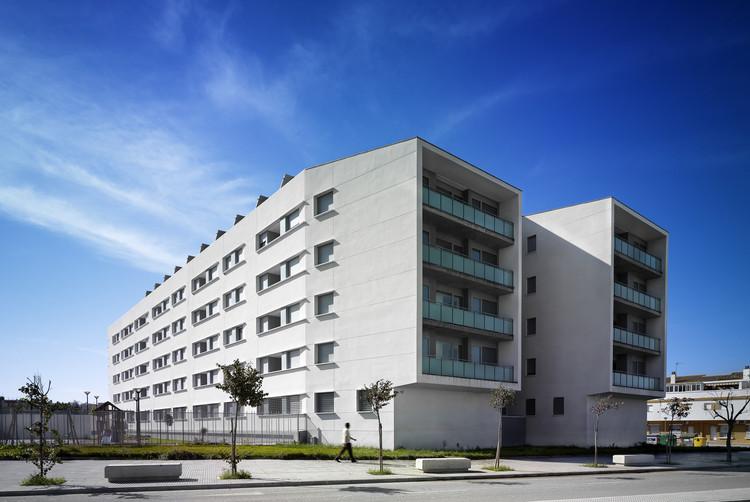 Viviendas Sostenibles En Puerto Real / Hombre de Piedra + Estudio Glorieta Arquitectos, © Jesús Granada