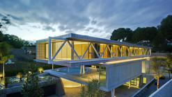 4 IN 1 HOUSE / Clavel Arquitectos