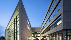 Centre for Photovoltaics and Renewable Energy / Henn