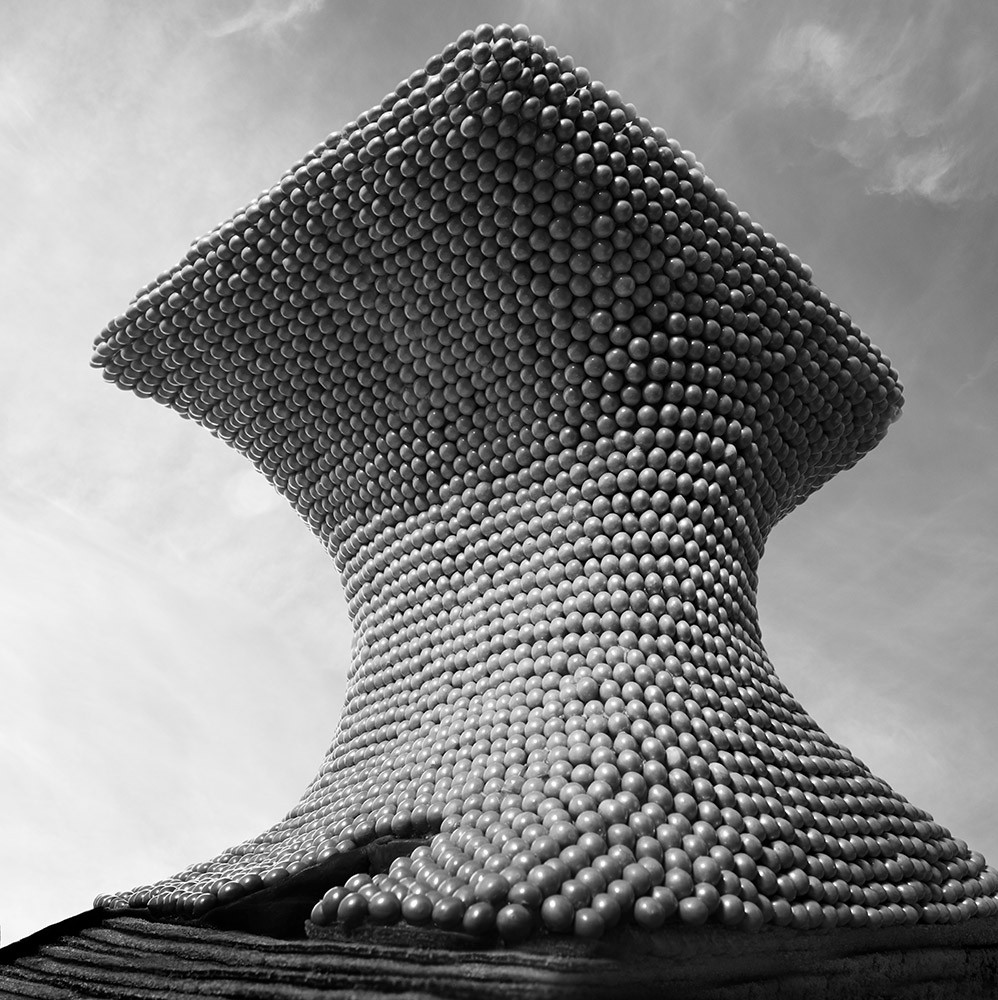 The curving form of the Museo Soumaya by FR-EE is draped in candy balls, gingerbread, sour rolls, and taffy. Image © Henry Hargreaves