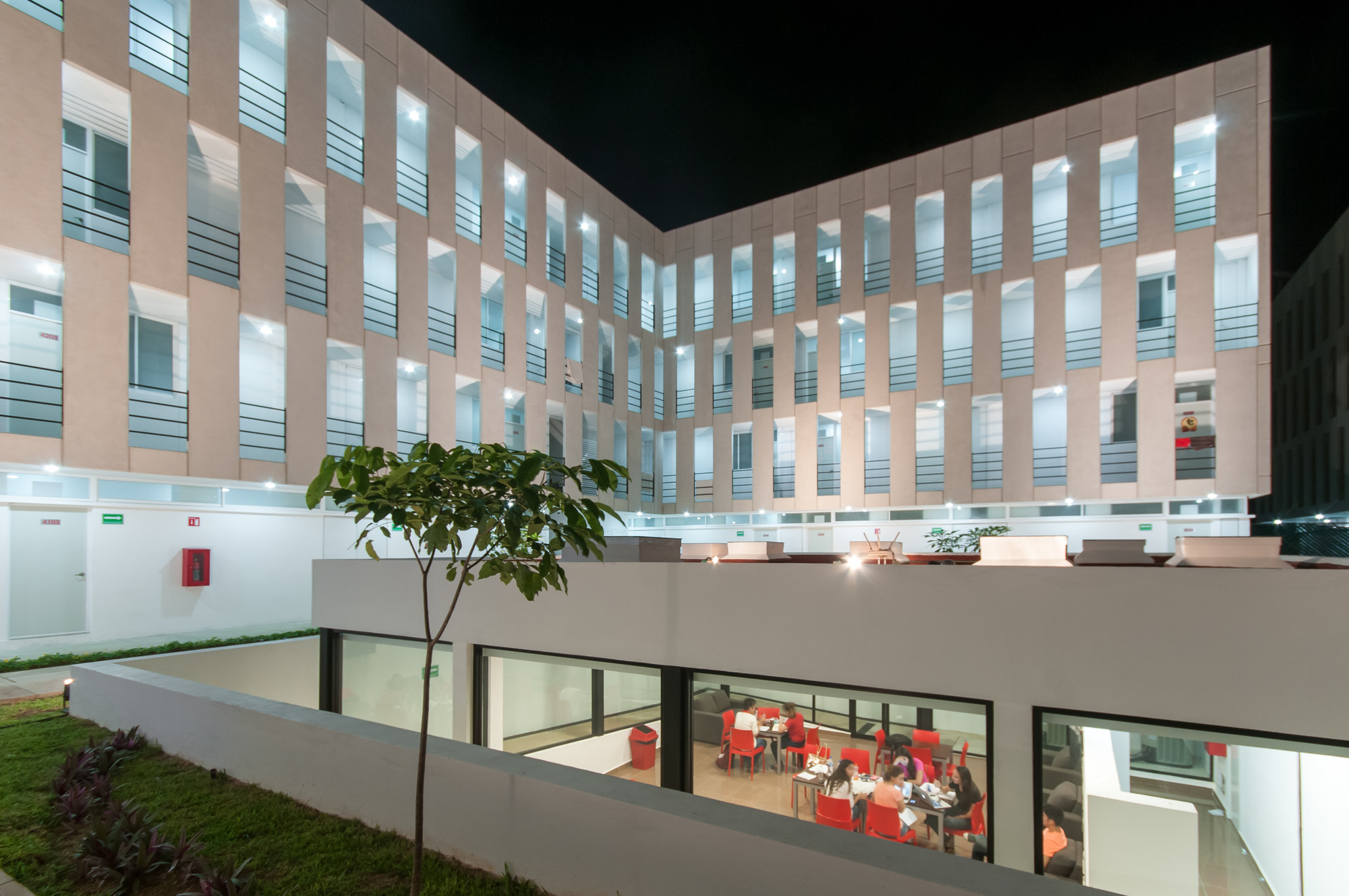Campus university city lavalle peniche arquitectos for Plataforma arquitectura