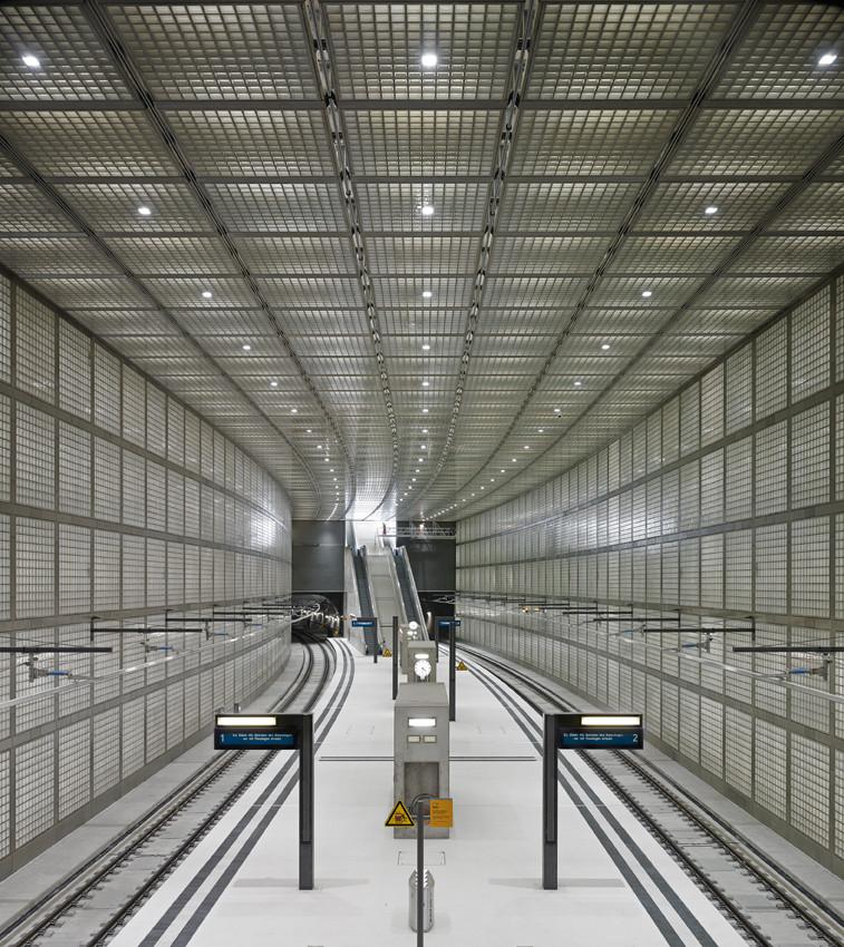 Gallery of wilhelm leuschner platz station max dudler 5 for Architekt leipzig