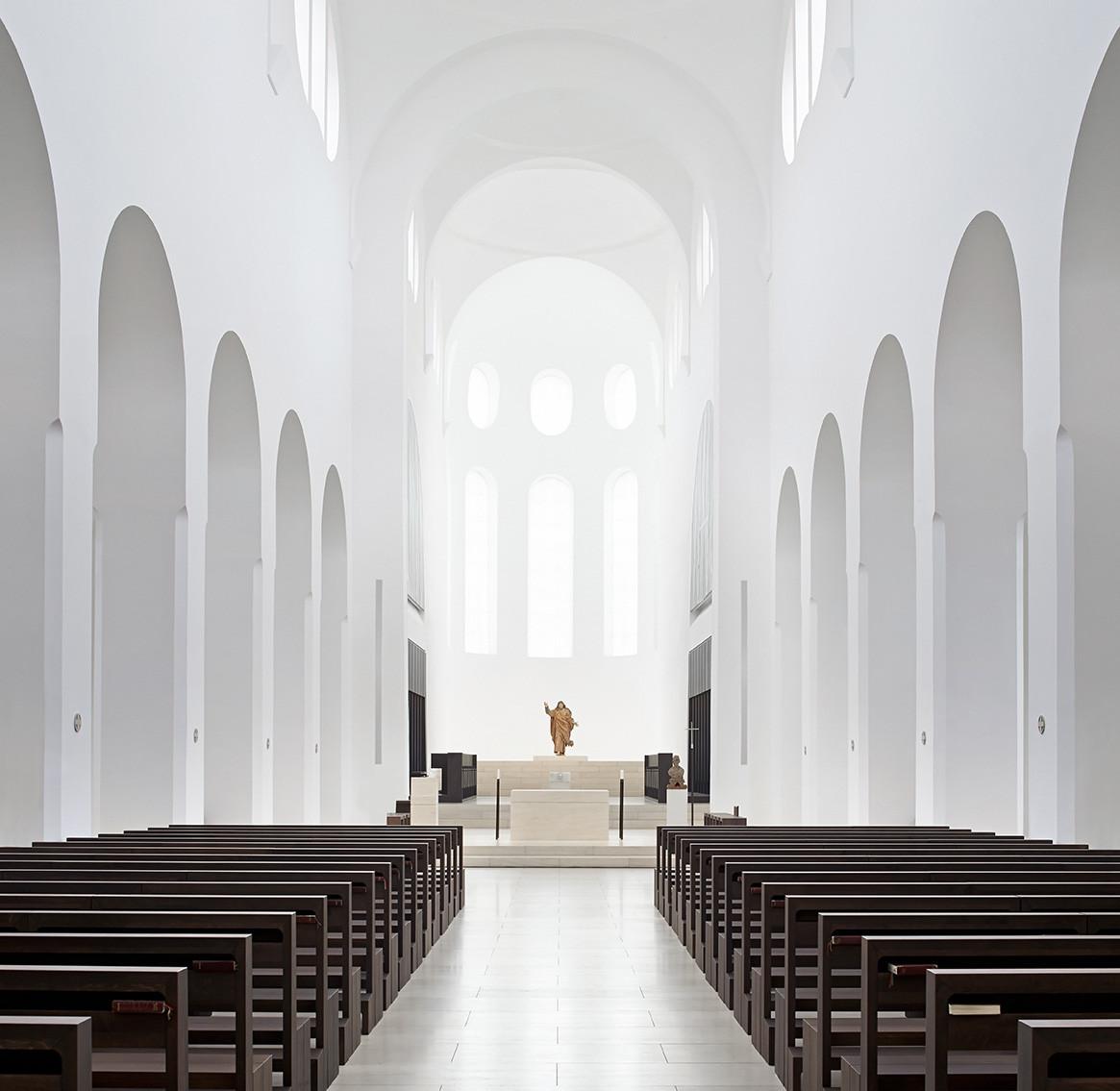 Interior Remodeling of St. Moritz Church / John Pawson, © Hufton+Crow