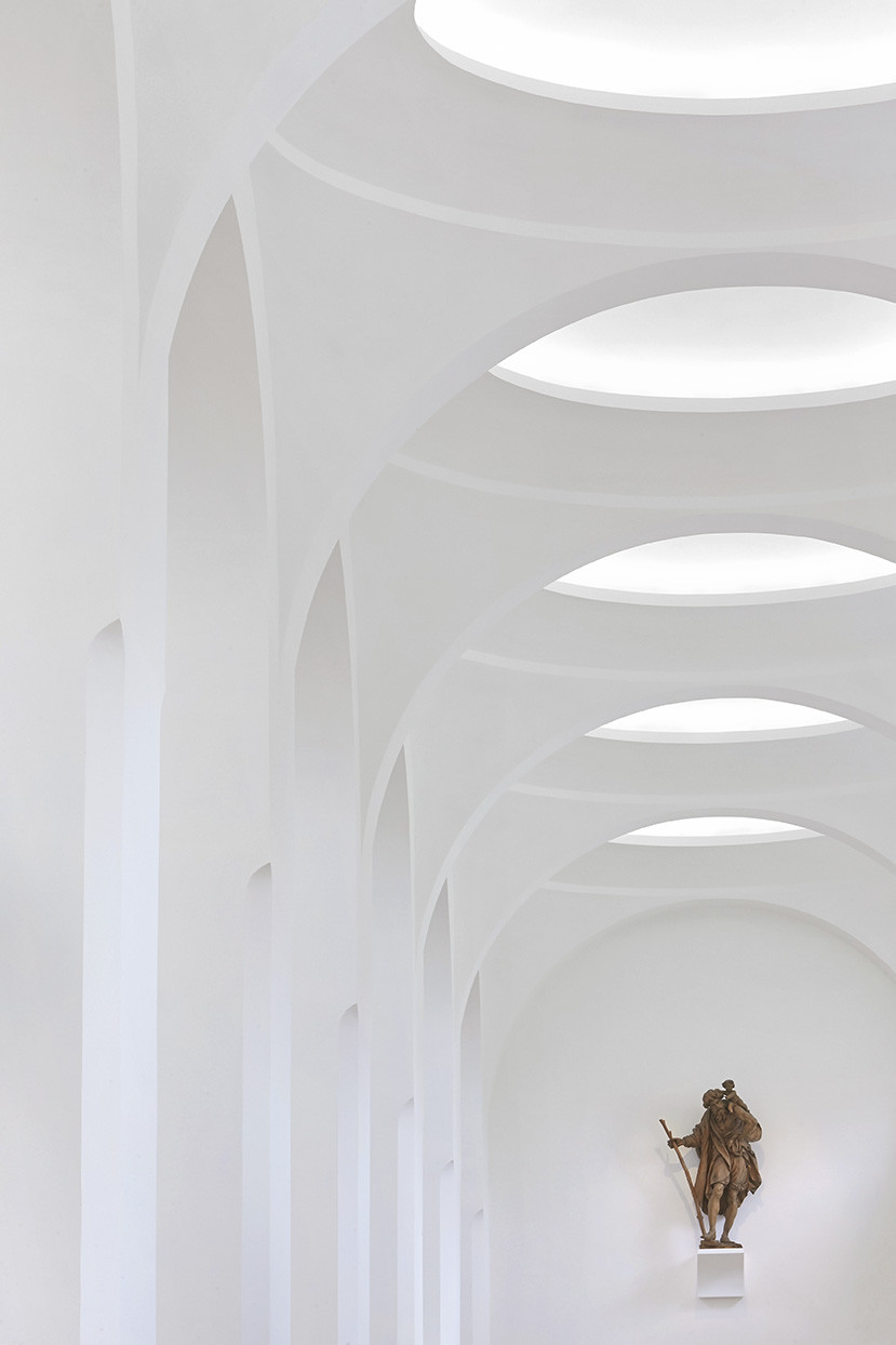 Gallery of interior remodeling of st moritz church john for Minimal space