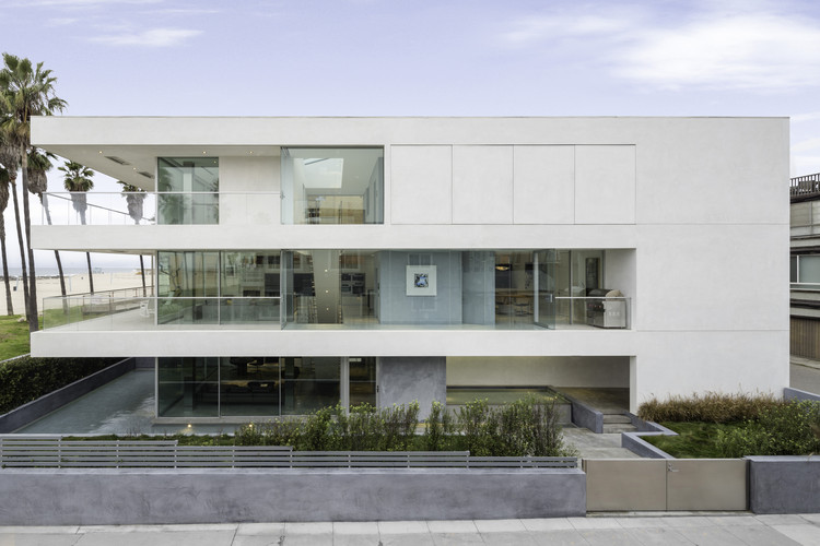Flip flop house dan brunn architecture archdaily for Flipping houses in los angeles