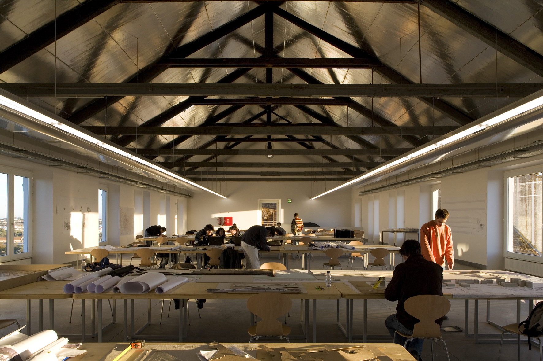 Gallery of art and architecture faculty in s lobo - Interni arquitectos ...