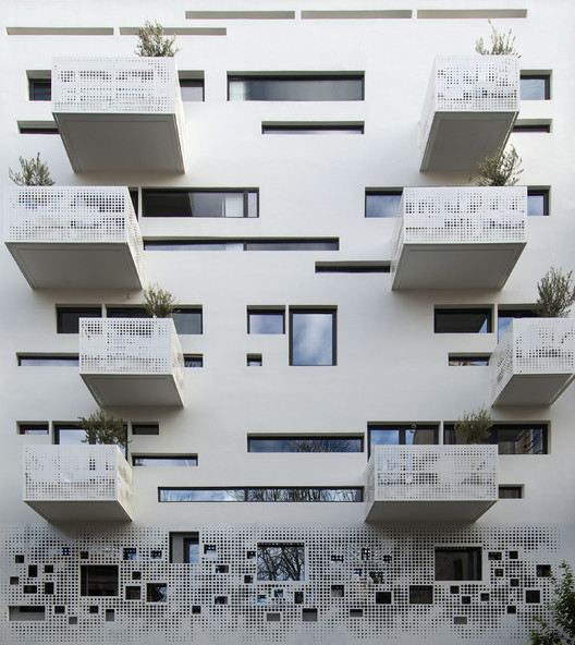 Urban Stripes / Klab Architecture , © Panos Kokkinias