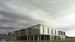 Centro Médico em Muros / Irisarri Piñera Arquitectos