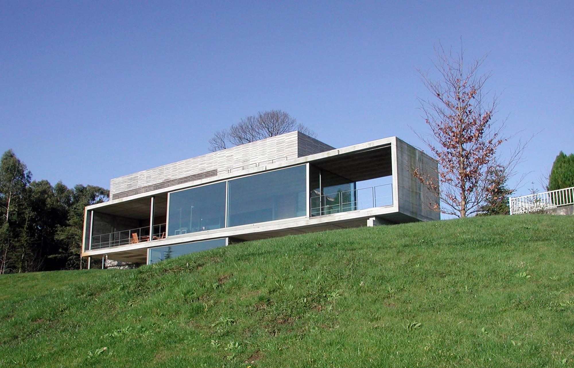 Galeria de casa em perbes vier arquitectos 1 for Casa de arquitectos