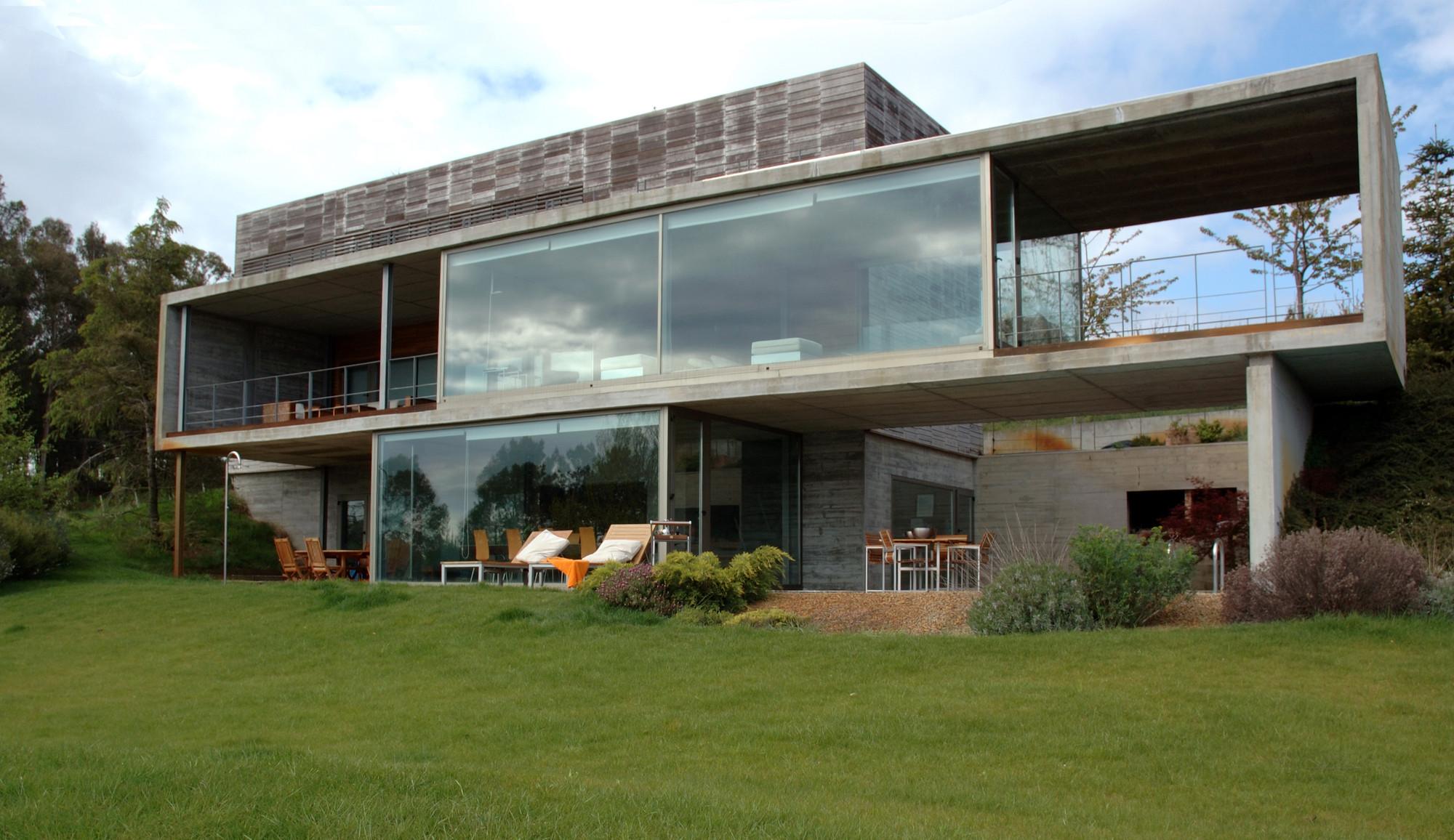 Galeria de casa em perbes vier arquitectos 4 for Casa de arquitectos