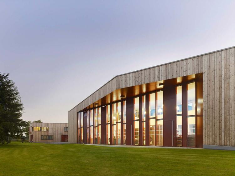 Centro Internacional de Juventud en Oberschleißheim  / ATELIER 30, © Constantin Meyer