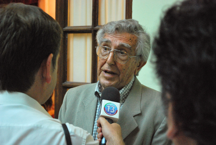 Víctor, hermano de César Pelli, y su visión social de la Arquitectura, © Vía Flickr, Usuario Canoa ONG