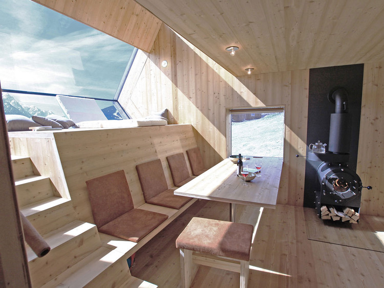 Viviendo a pequeña escala: Ufogel, una casa compacta de 45 m2, © Ufogel
