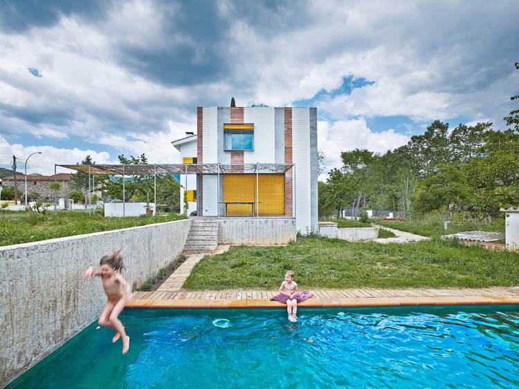 Casa Anoro / Anna & Eugeni Bach, © Jordi Bernadó