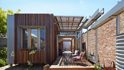 Convertible Courtyards House / Christopher Megowan Design