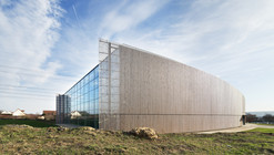 Lardy Sports Hall / Explorations Architecture