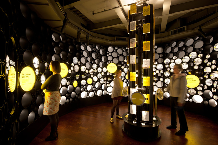 Centro de Innovación Bezos / Olson Kundig Architects, © Lara Swimmer
