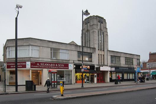 Tottenham High Road, Where John McAslan + Partners plan to open their new office. Image © Flickr CC User Alan Stanton