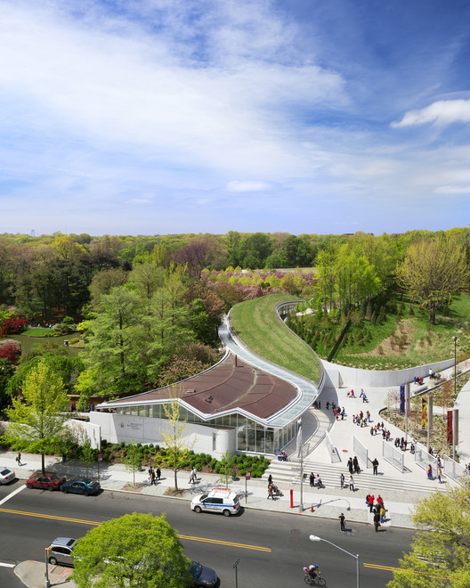 Brooklyn Botanic Garden Visitor Center / WEISS/MANFREDI © Albert Večerka / Esto