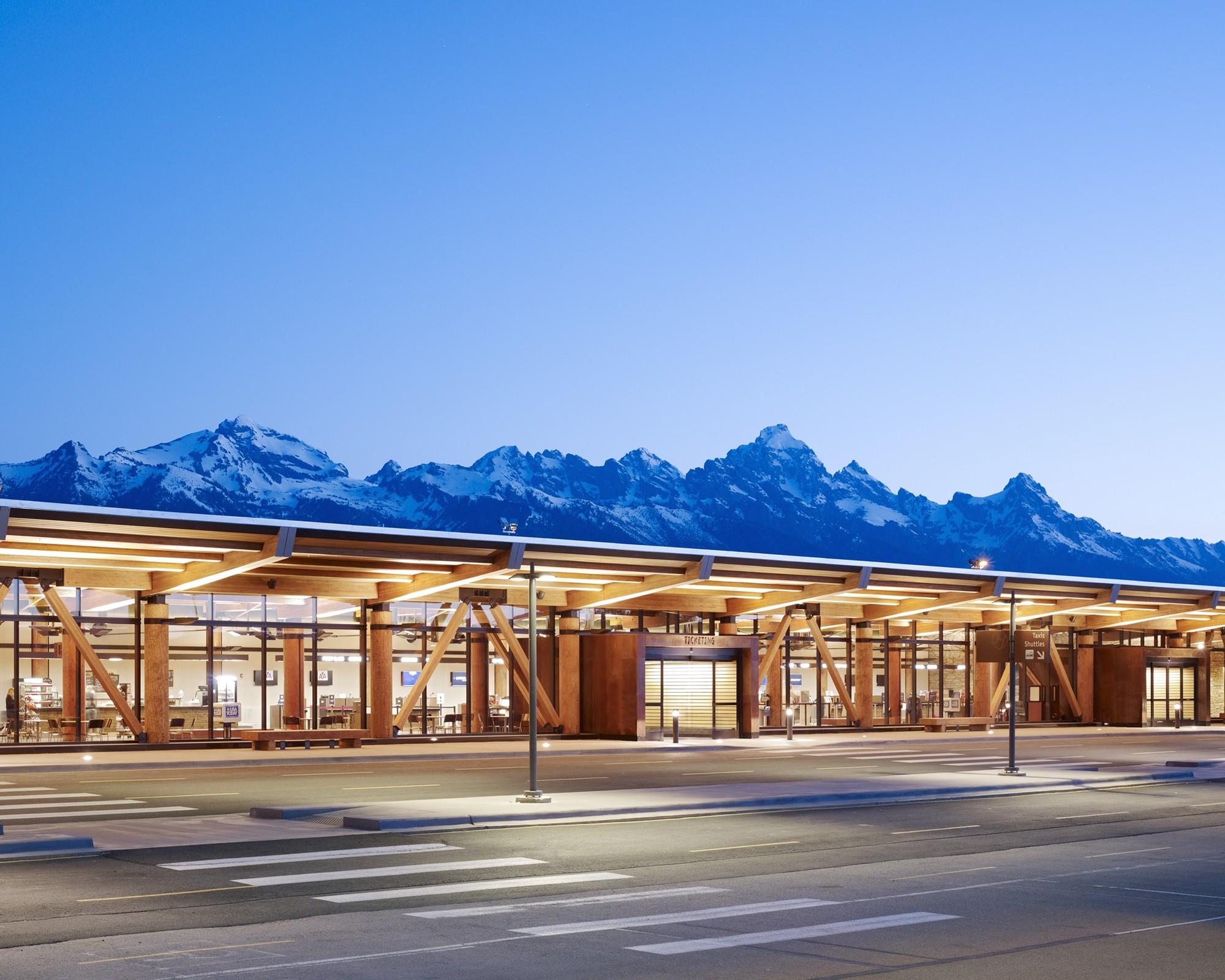 Jackson Hole Airport / Gensler © Matthew Millman