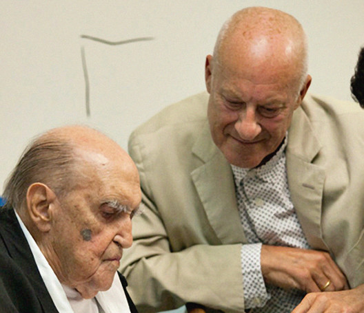 "Oscar Niemeyer and Lord Norman Foster in 2011. ""He was in wonderful spirits—charming and, notwithstanding his 104 years, his youthful energy and creativity were inspirational."". Image © Foster + Partners"