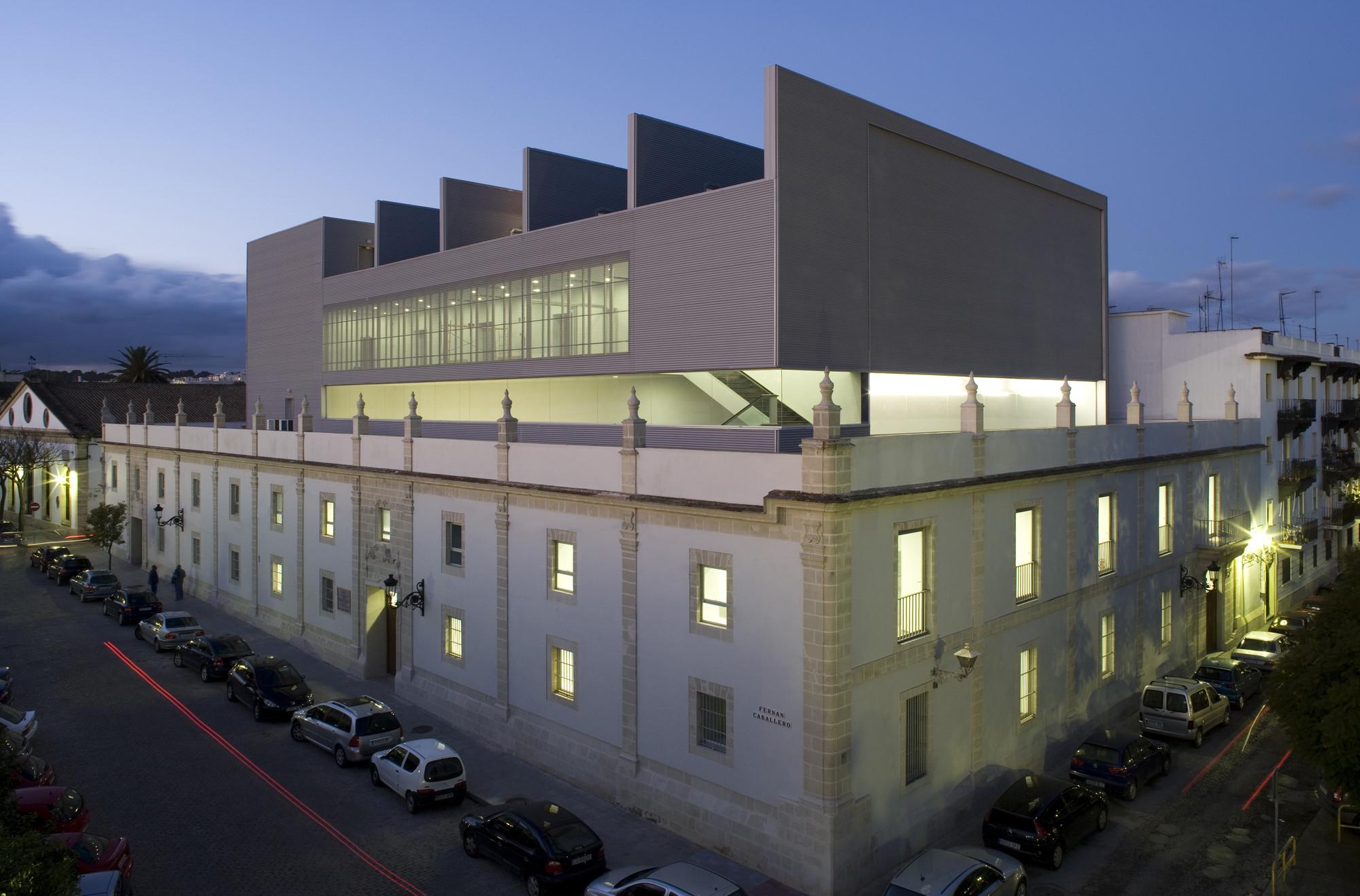 New Theatre in Santa Maria Port / Daroca Arquitectos, © Fernando Alda