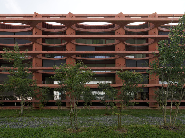 Edificio Residencial Zug Schleife / Valerio Olgiati, © Javier Miguel Verme