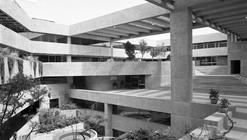 Clásico de Arquitectura: El Colegio de México / Abraham Zabludovksy y Teodoro González de León