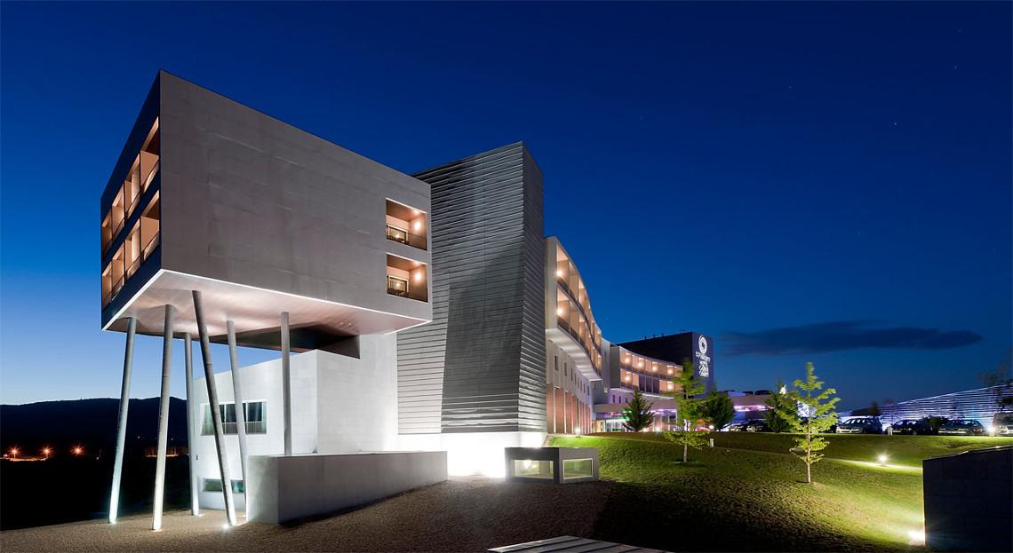 Chaves Hotel Casino  / RDLM Arquitectos Associados, © Sérgio Ferreira, Profoto