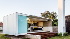 12.20 House / Alex Nogueira