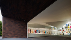 Garage Of The Bears / Openbox Architects