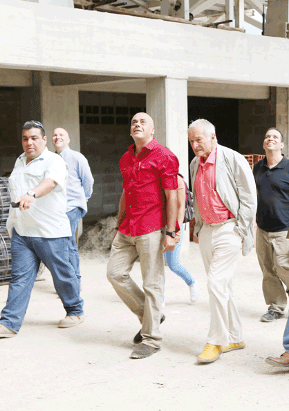 Alcalde Jorge Rodríguez junto a Richard Rogers durante su visita a Caracas. Image Courtesy of Alcaldía de Caracas