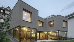 House On The River Reuss / Dolmus Architects