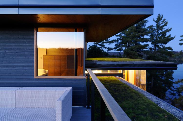 Cliff House / Altius Architecture Inc, Courtesy of Altius Architecture Inc
