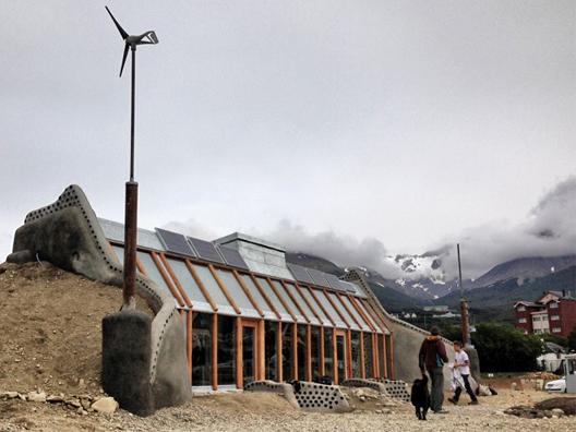 'Nave Tierra': La casa autosustentable de Michael Reynolds en Argentina, © Earthship Biotecture