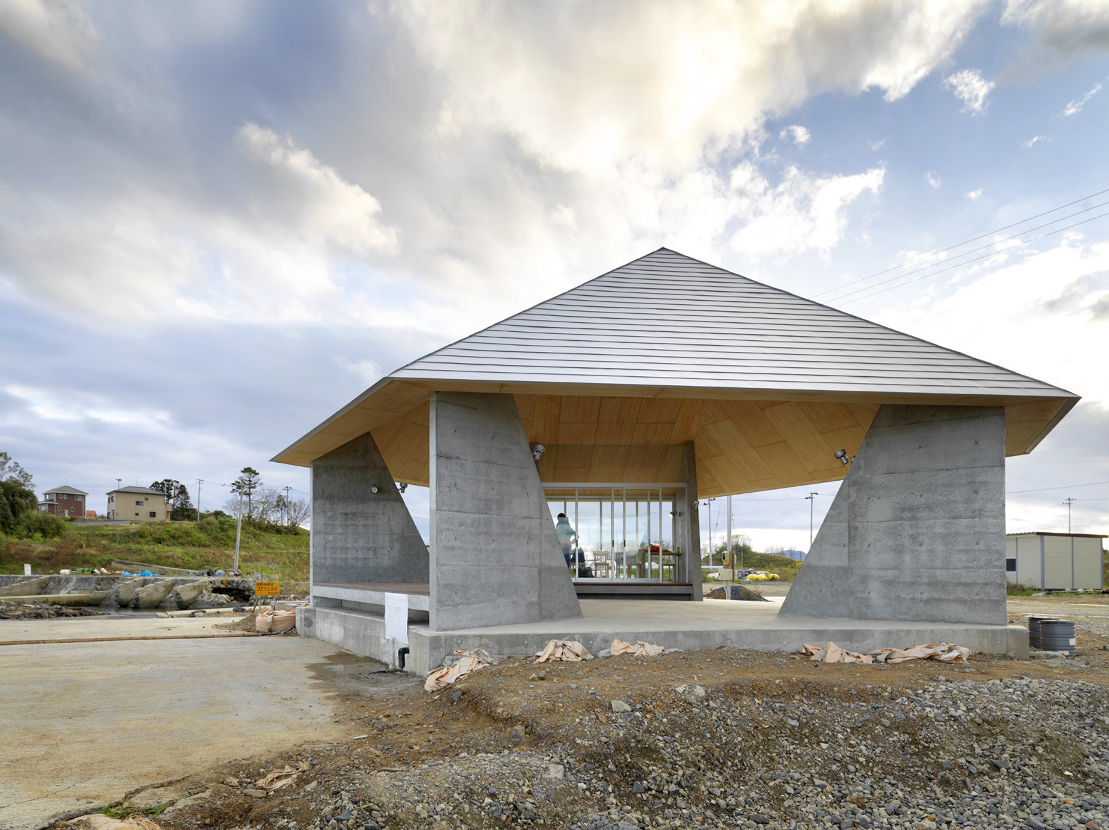 Home For All In Kesennuma / Zhaoyang Architects, © Jonathan Leijonhufvud