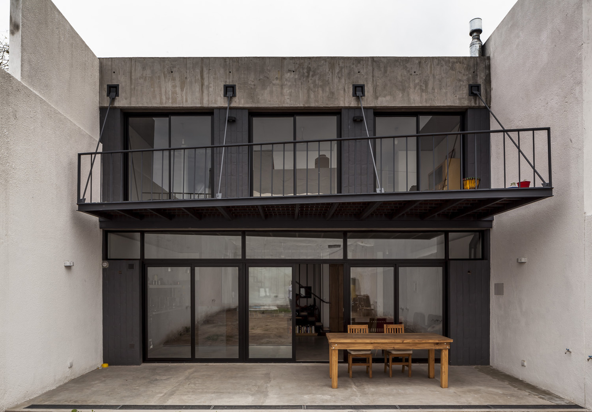 Office & House Luna  / Hitzig Militello Arquitectos, © Federico Kulekdjian
