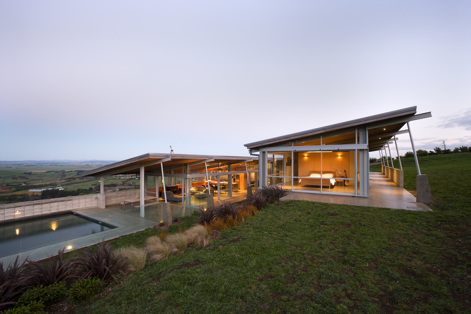Foothills House  / Strachan Group Architects, © Patrick Reynolds