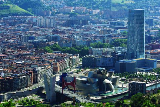 The Guggenheim Museum Bilbao / Frank Gehry. Image © Flickr User: Iker Merodio