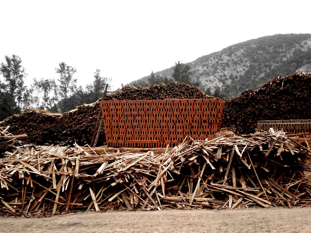 Horno de Ladrillo Artesanal Invertido: Invertir el paisaje para consolidar las tradiciones constructivas , © Diego Parra Oyarzún