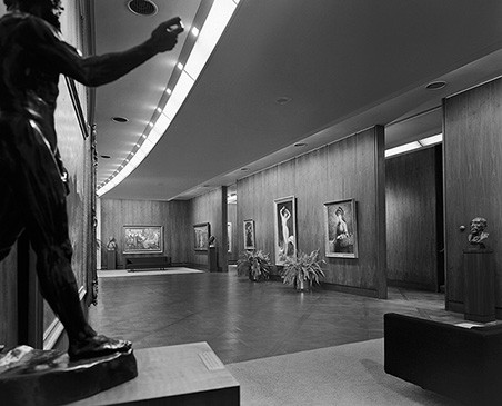 4th Floor Gallery. Image © Ezra Stoller/Esto