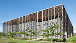New University Library in Cayenne / rh+ architecture