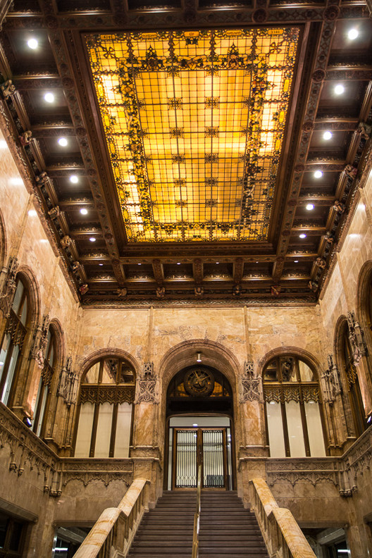 View of lobby skylight. Image © Bob Estremera