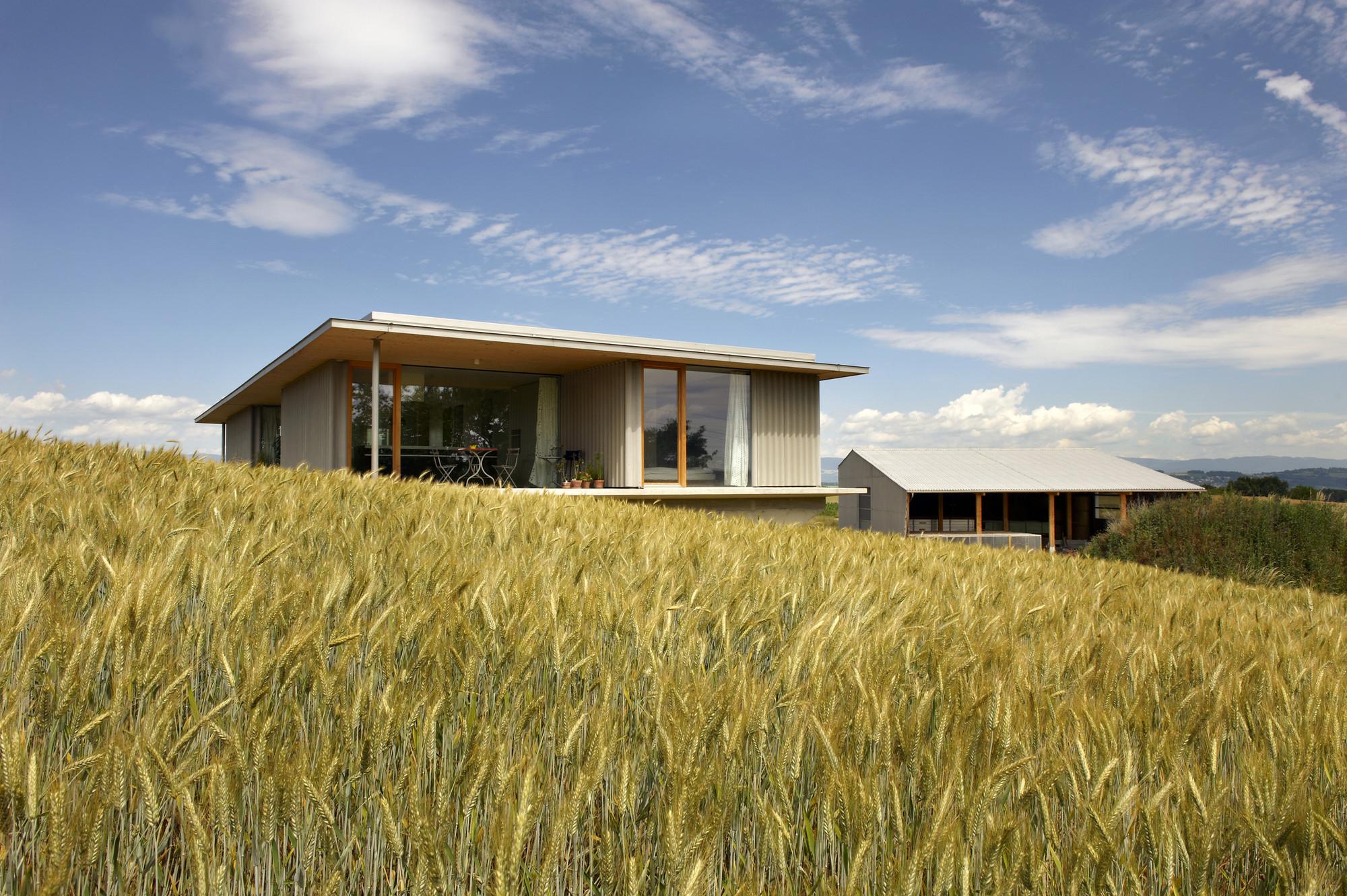 Barn and Dwelling G  / Aeby Aumann Emery architectes, © Corinne Cuendet