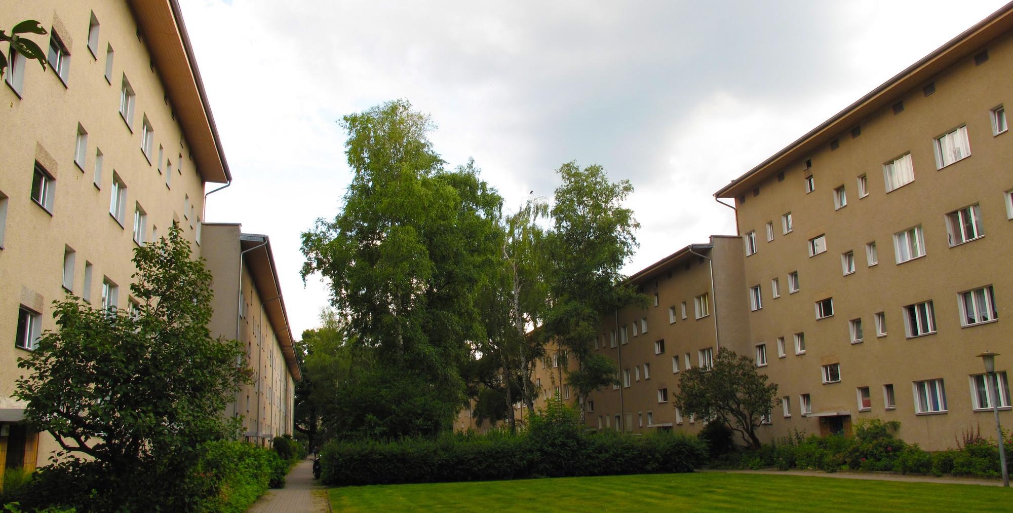 Vista parcial de viviendas realizadas por Paul R.Henning en la Heckerdamm.. Image Courtesy of Óscar Miguel Ares