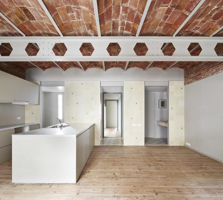 Casa Tomás / LAB, Laboratory for Architecture in Barcelona, © José Hevia