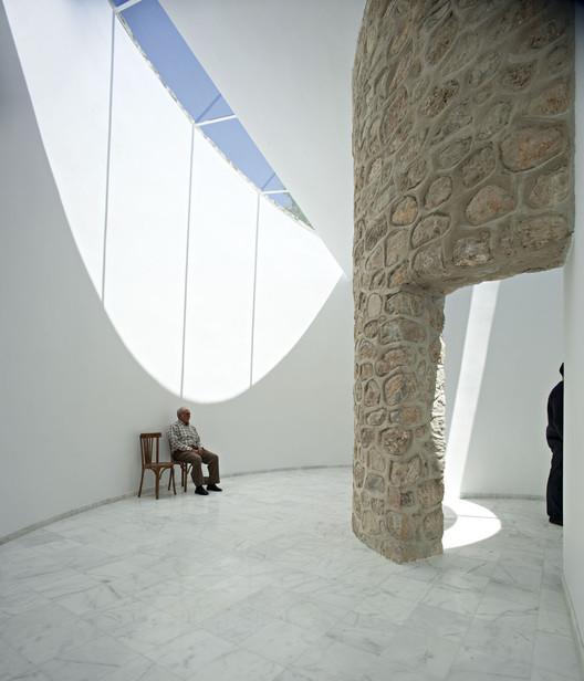 Sala de Velatorios / Muñoz Miranda Architects, © Javier Callejas Sevilla