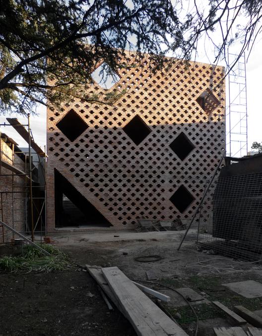 Casa de ladrillos, Rosario, Argentina 2007-2012. . Image © Gustavo Frittegotto