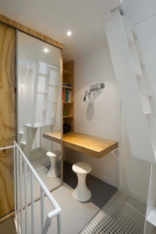 Tower apartment agence sml archdaily for Quadruplex apartment plans